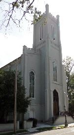 Image of a church with tall steeple